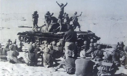 Enjoying-Vistory-of-Longewala-war