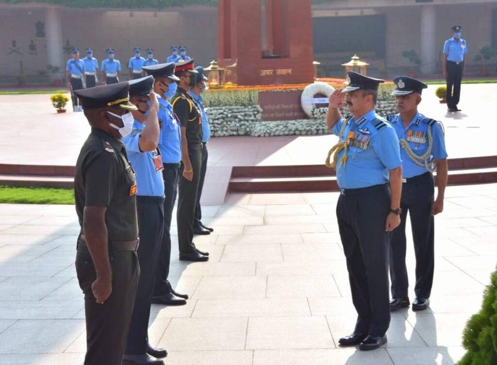 New Air Chief Marshal VR Chaudhari At National War Memorial